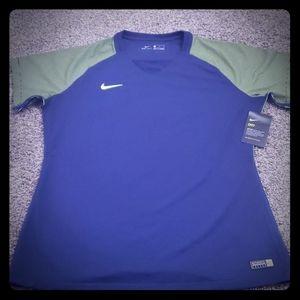 Nike Women's T-shirt short sleeve